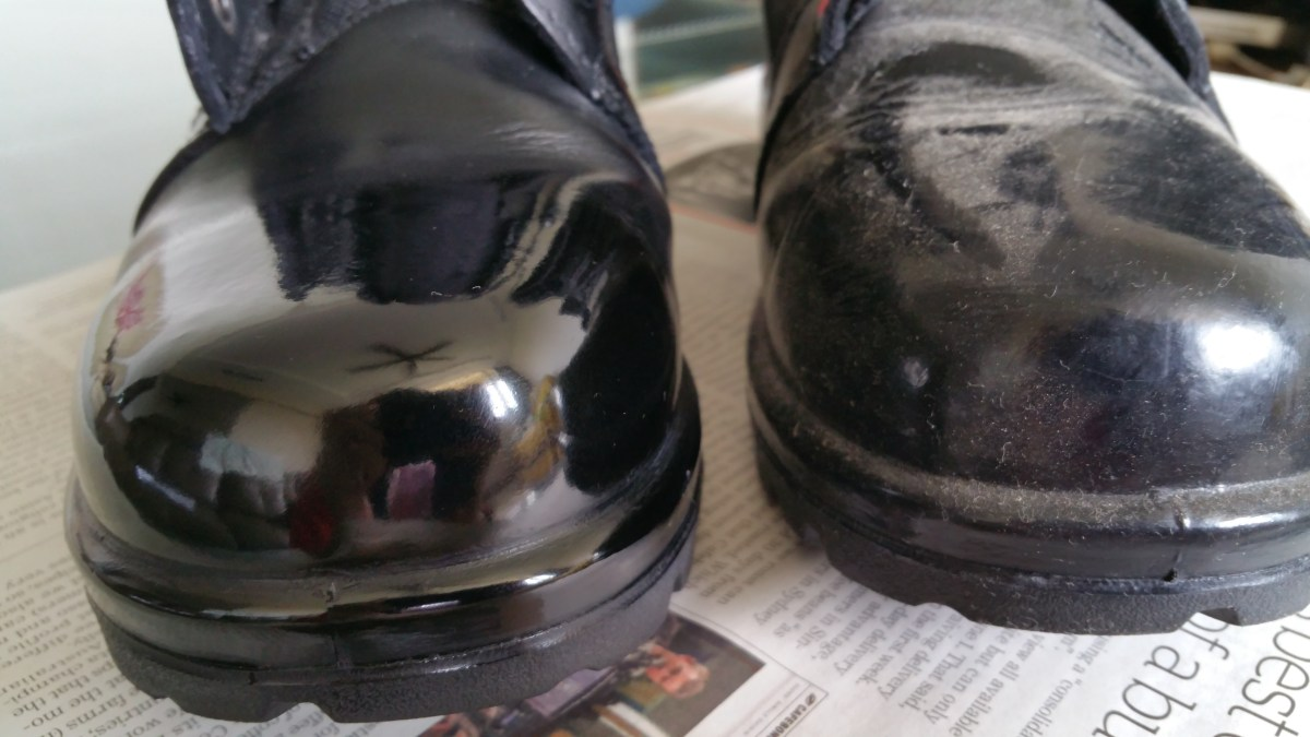 How to polish boots