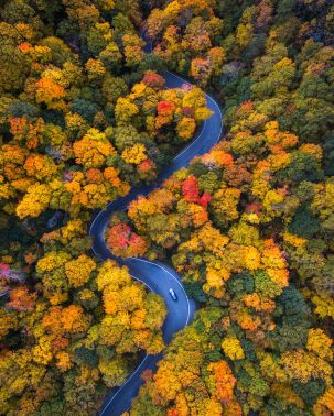 vermont-smugglers-notch-by-drone-in-fall-by-michael-matti-581b62c96108b__880