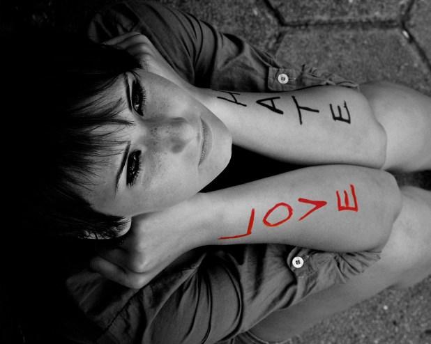 img 1388333477 602 اجدد صور قلوب حب للتصميم , صور خلفيات قلوب رومانتيك