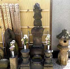 開基伊奈家墓所と観音供養塔