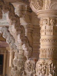 Jaisalmer fort: jain temple ornate bracket