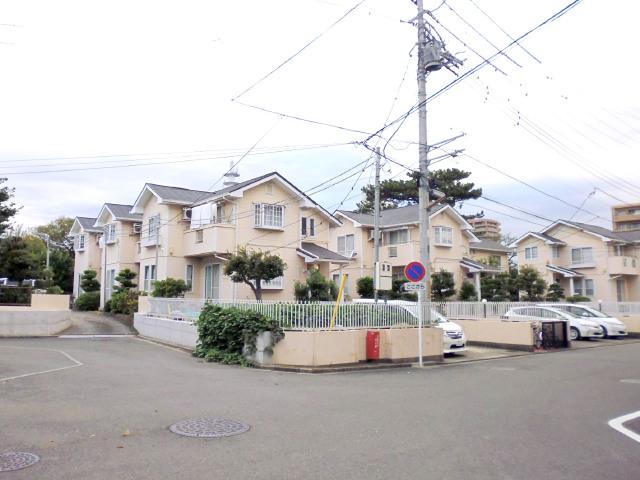 エーデルシュトラーセ|藤沢市弥勒寺1丁目の賃貸テラスハウス