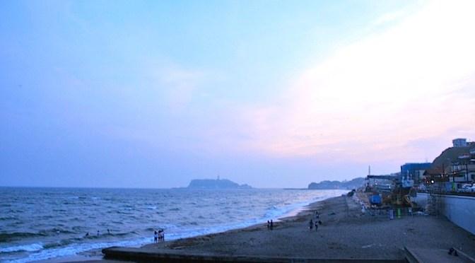 夕暮れ時の七里ガ浜