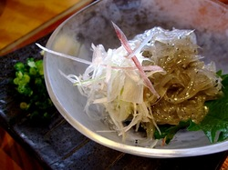 海鮮食事処江ノ島小屋の生しらす