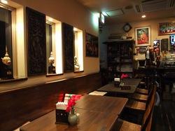 藤沢タイ料理ゲンキョウワンの店内