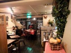 藤沢駅南口のイタリアン料理タントタントの店内