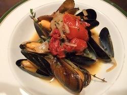 藤沢駅南口のイタリアン料理タントタントのムール貝の白ワイン蒸し