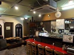 藤沢駅南口の海鮮&カニ居酒屋すすきの店内