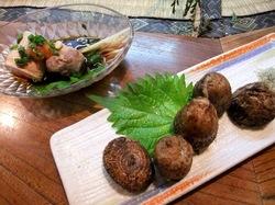 鎌倉小町通りの炉端焼き卯月の山芋とあんきも
