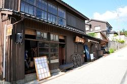 新潟県佐渡島相川の京町の町並み