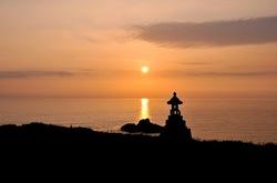 新潟県佐渡島の七浦海岸の春日崎の夕日