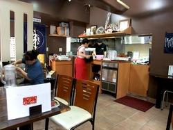 藤沢のめじろを継ぐ麺やこじろの店内