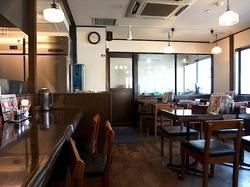 藤沢市湘南台の魚介系ラーメン田ぶしの店内