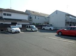藤沢市湘南台の魚介系ラーメン田ぶしの駐車場
