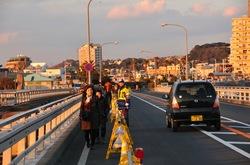 江ノ島弁天橋が事故で通行止め