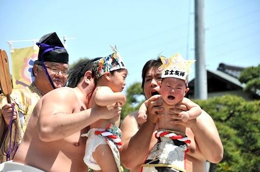白旗神社@藤沢本町の赤ちゃん一心泣き相撲2014