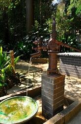 北鎌倉浄智寺の手押し井戸ポンプ