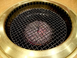 藤沢やきにく本舗善行店の焼肉無煙ロースター