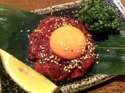藤沢やきにく本舗善行店の焼肉桜ユッケ