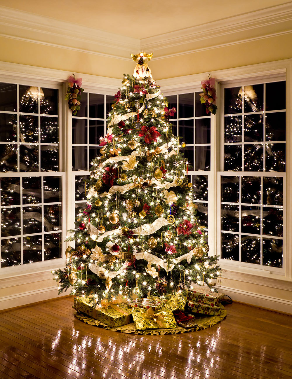Holiday Decorating Services   Shonna Fox Design Give your home the holiday look of your dreams  Book a consultation today