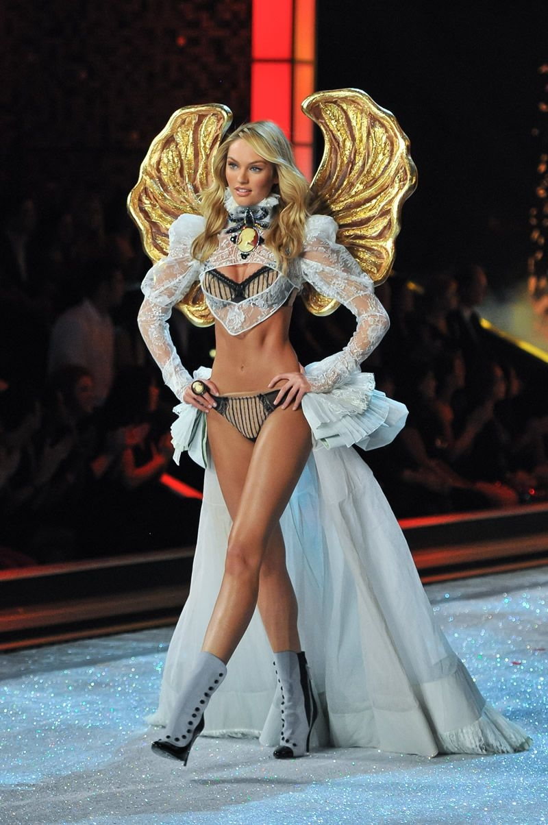VS Lingerie Models Blog VSFS 2011 Put A Spell On You