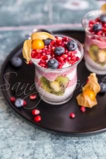 geschichteter Chiapudding mit Früchten, Studio