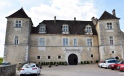 The Chateau de Clos de Vougeot.