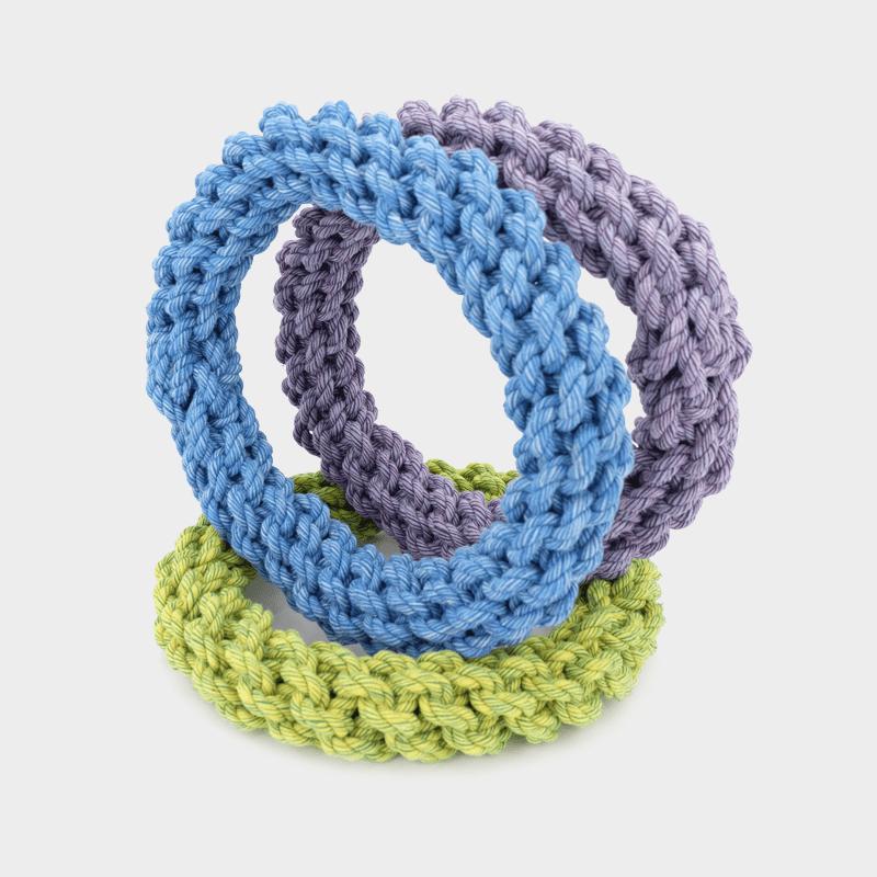 Alle Farben des Nuts for Knots Rings stehend von Happy Pet