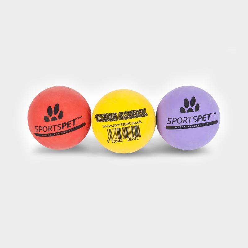 3er Set Tough Bounce Ball 65 mm Ø von SPORTSPET in rot, gelb und lila (von links nach rechts)
