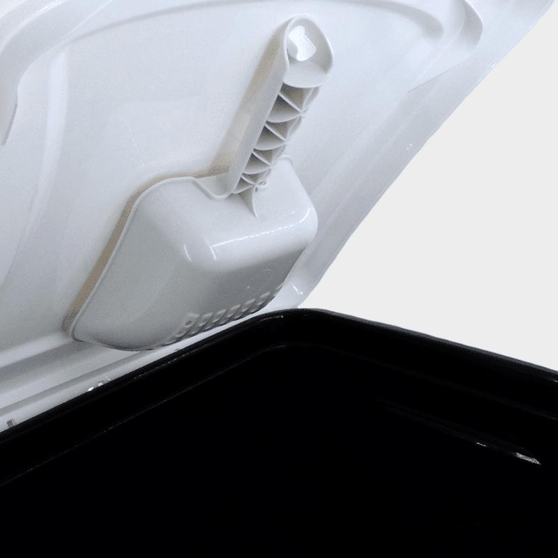 Futterbox 38 l Variante schwarz-weiß von Rotho MyPet Detailaufnahme Schaufel