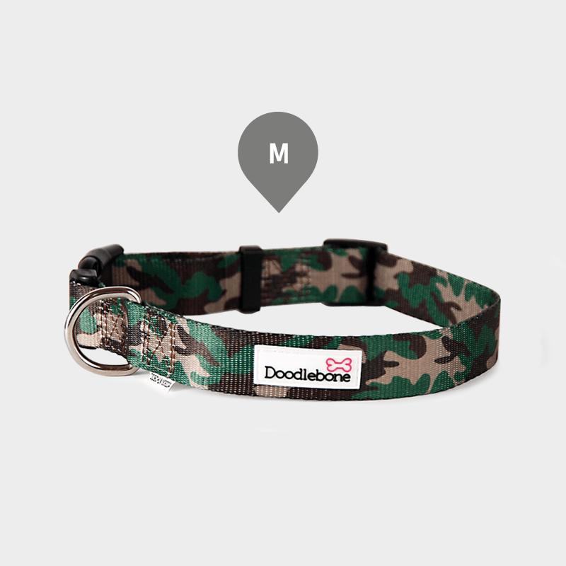 Gemustertes Camouflage Bold Halsband von Doodlebone® in der Größe M