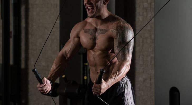 4 gute Gründe, wieso du erst abnehmen solltest, bevor du dich auf Muskelaufbau konzentrierst