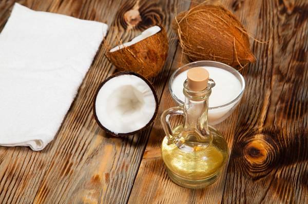 Kokosöl gehört definitiv zu den gesündesten Ölen - und es eignet sich auch wunderbar zum Braten!