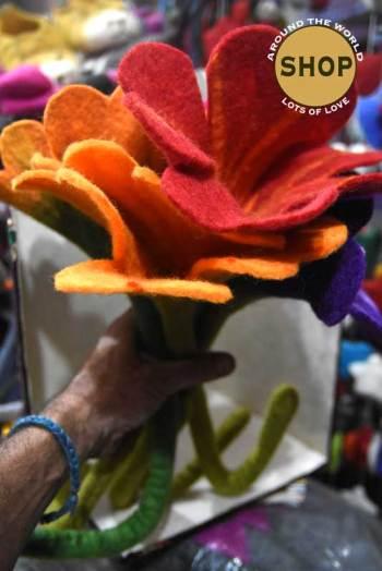 Handgemaakt vilt Bloem 5317. Speelgoed, bloemen.
