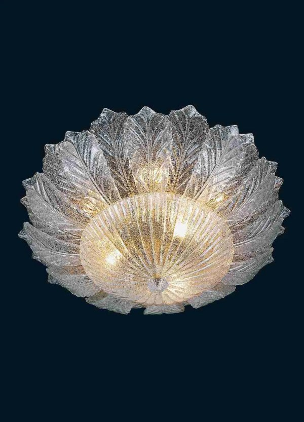 Handmade ceiling lamp with crystal Murano glass leaves with grit to give elegance to the ceiling lamp and final knob.