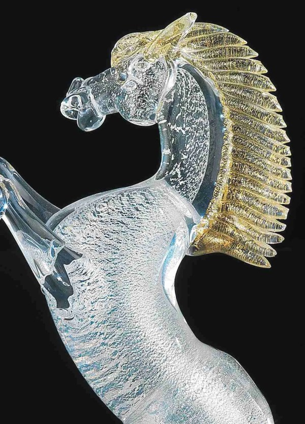 Rampant horse in Murano glass made by our glass masters, the body of the horse is silver with 24K gold leaf decorations.