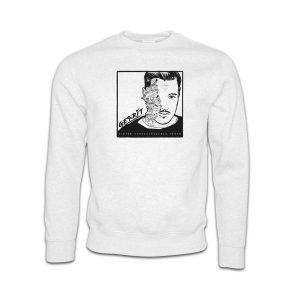 Sweater-weiss-Gerrit-hinter-verschlossenen-tueren