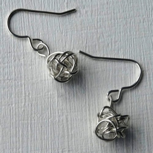 silver knot earrings handmade by copperknit