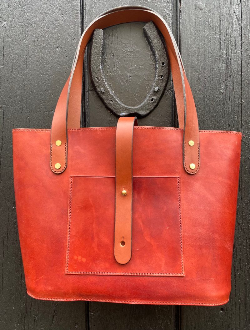 Classic Leather Tote Bag in Cognac