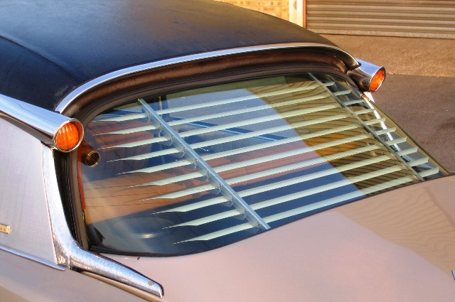 Gradulux Style Blind For DS ID Saloon Rear Window
