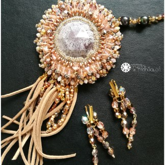 Necklaces & Brooches