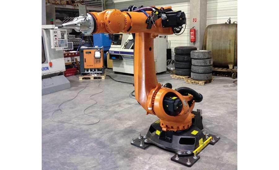Рисунок 1. Кузнечное устройство для холодной ковки, установленное на роботе Kuka