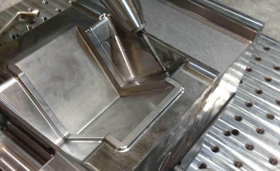 Рисунок 2. Работа ковочного устройства на кузнечном штампе