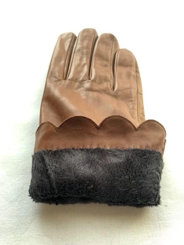 HoW Bow Tan Gloves