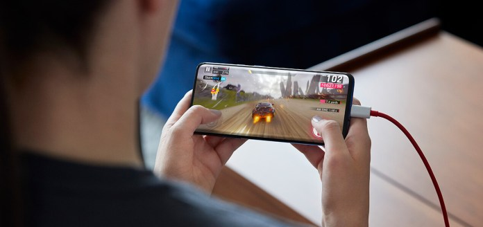 https://i1.wp.com/shop.ee.co.uk/content/dam/everything-everywhere/images/SHOP/Devices/OnePlus/OnePlus_7_Pro_5G/OnePlus_7_Pro_5G_WarpGaming_1270x600.jpg?w=696&ssl=1
