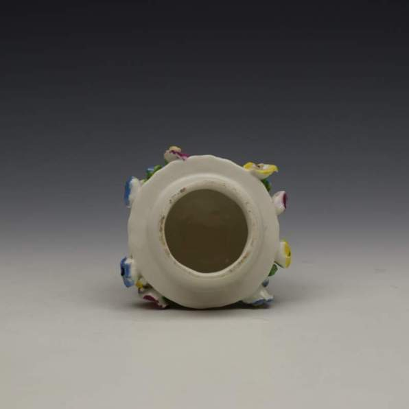 Bow Porcelain Vase and Cover c1765 (11)