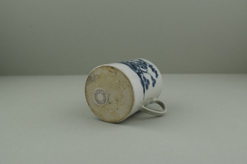 Liverpool Porcelain Pennington's Cannonball Pattern Coffee Can. 7