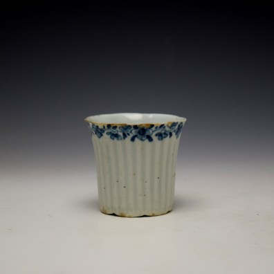 Worcester Early Ribbed Floral Border Pattern Coffee Cup c1754 (2)