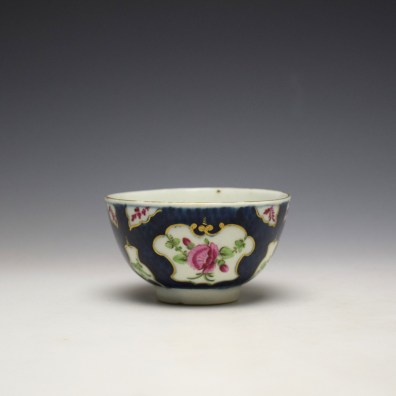Worcester Blue Scale Panelled Floral Pattern Teabowl and Saucer c1770-75 (5)