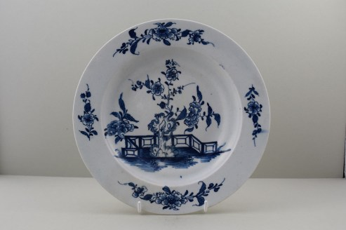 Lowestoft Porcelain Candle Fence and Peony Pattern Plate. 1